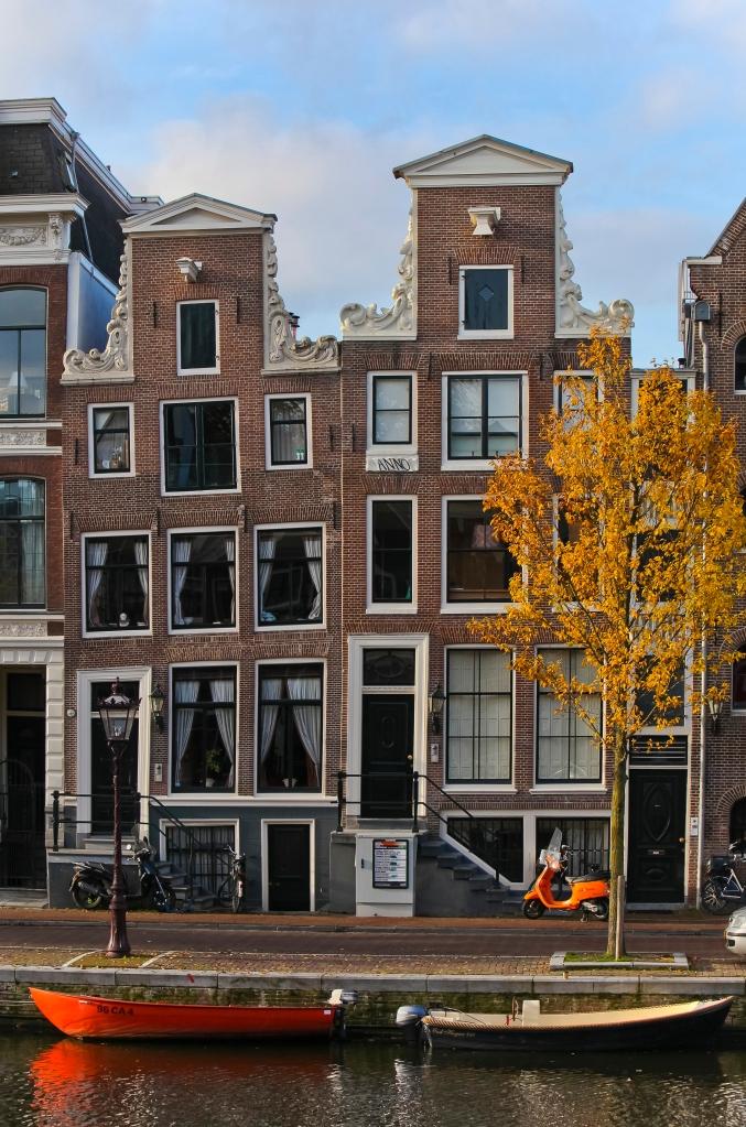 pittoreske Fassaden wertvoll Kernsanierter Häuschen - leider meist mit Pisa-Syndrom